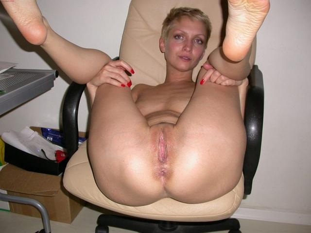 Женщина любит делать сладчайший отсос фаллосов