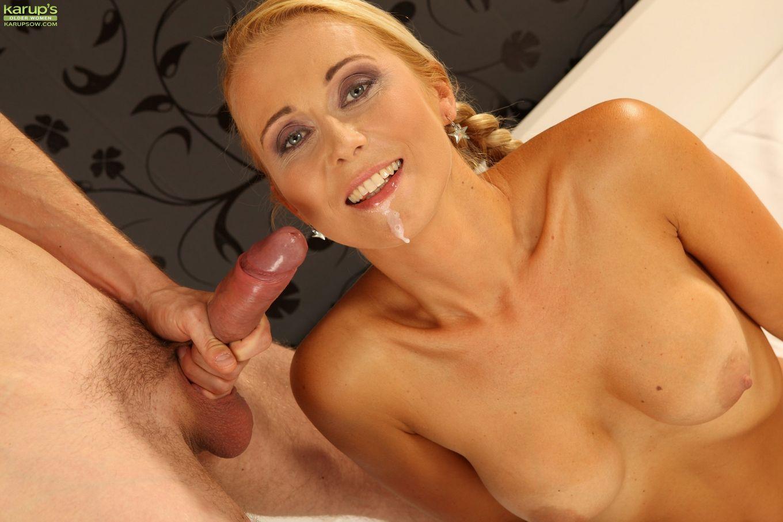 Анеса Шейнс – опытная блондинка, которая старательно делает минет и заслуживает хорошего секса