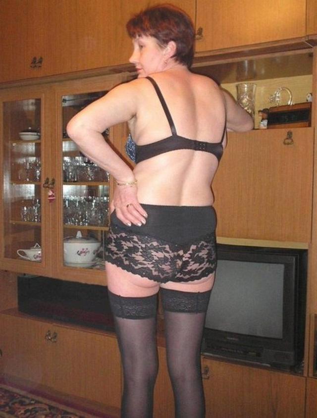 Тамара Николаевна одела чулки и хочет секса раком