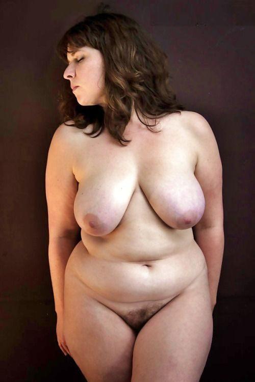 Голые толстушки перед камерами партнёров