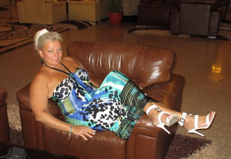 Зрелая баба хочет жить в роскоши